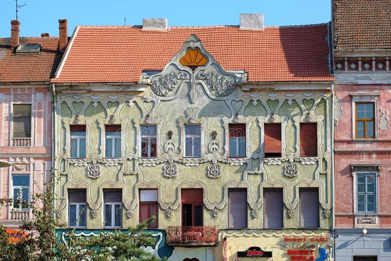 Fachada constructiva elegante Art Nouveau y arquitectura vienesa de la secesión en Arad imagenes de archivo