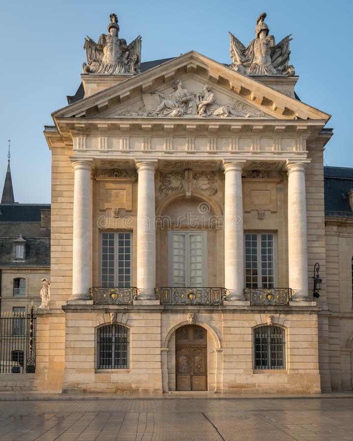 Fachada da câmara municipal de Dijon imagem de stock royalty free