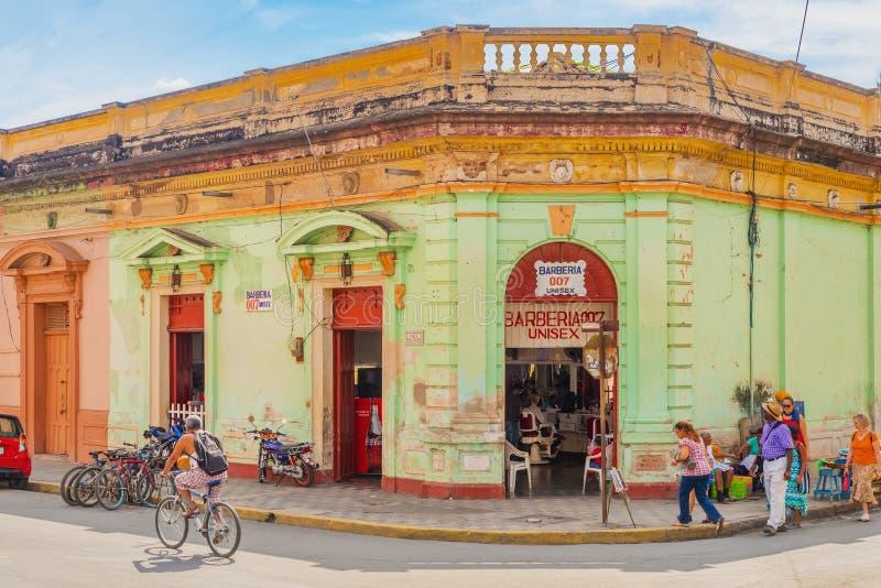 Fachada da casa colorida no distrito histórico Granada no NIC fotografia de stock royalty free