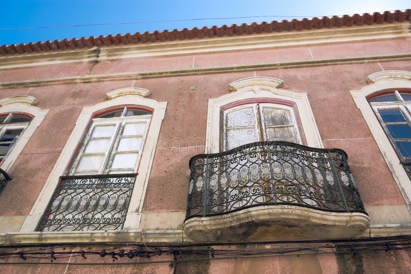 Fachada da casa no centro histórico de Faro Portugal foto de stock