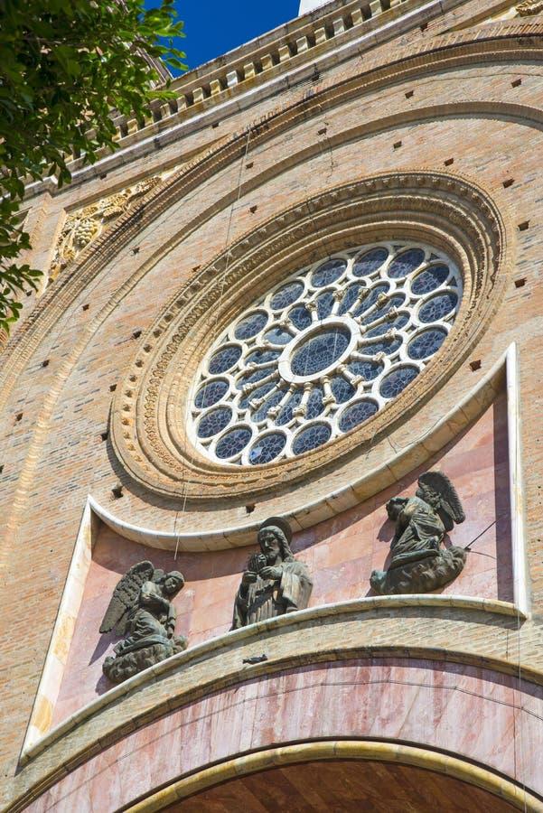Fachada da catedral de Cuencas fotos de stock royalty free