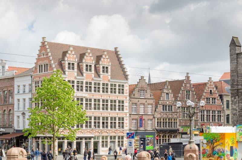 Fachada da construção no centro da cidade histórico de Ghent fotos de stock royalty free