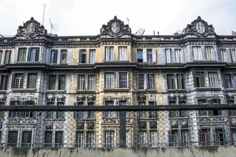 Fachada da construção residencial velha em Sao Paulo do centro imagens de stock royalty free