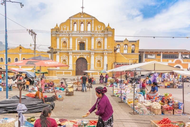 Fachada da igreja Católica de Santa Maria de Jesus em Guatema imagem de stock