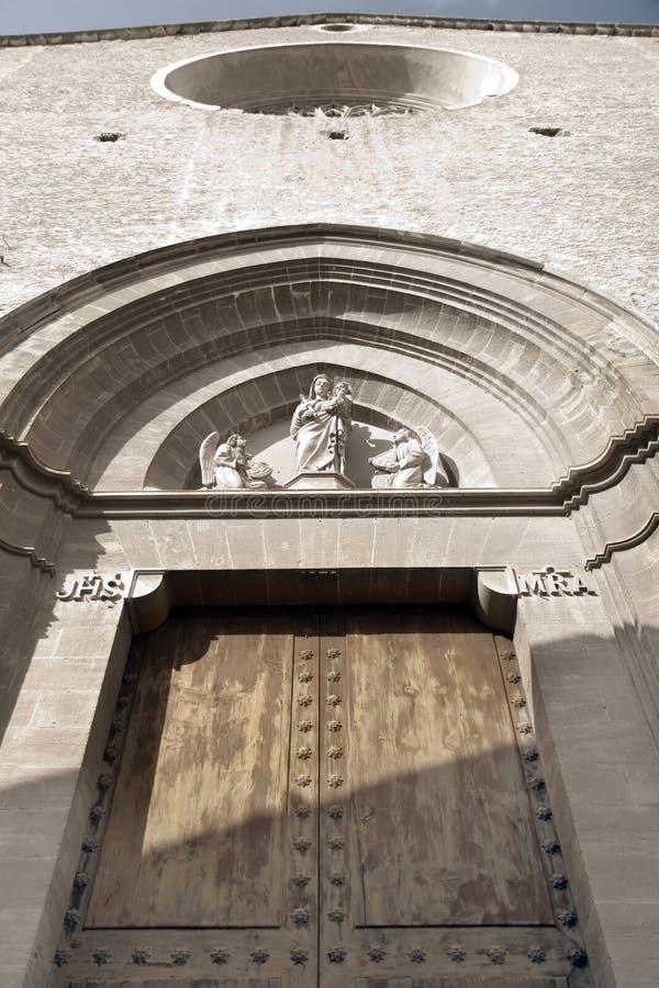 Fachada da igreja de Pollensa imagens de stock