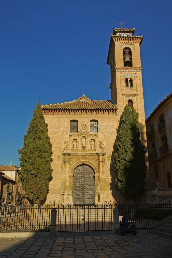 Fachada da igreja de Santa Ana, Espanha de Granada imagem de stock