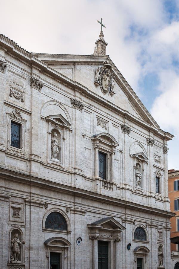Fachada da igreja de St Louis do francês em Roma, Itália imagens de stock royalty free
