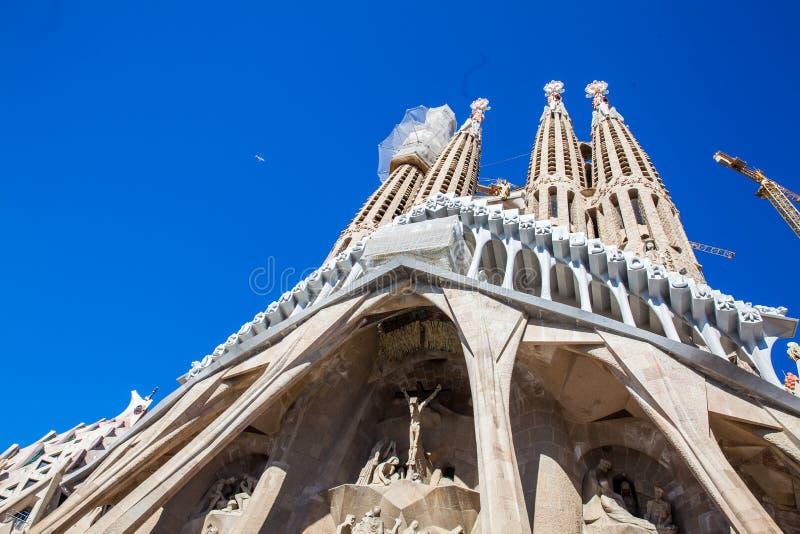 Fachada da paixão da basílica e da igreja expiatória da família santamente foto de stock royalty free
