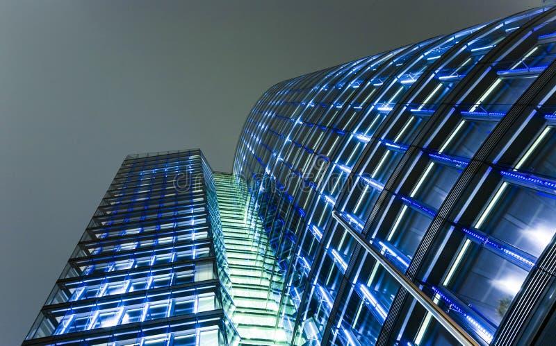 Fachada da torre do uniqa em Viena perto foto de stock royalty free