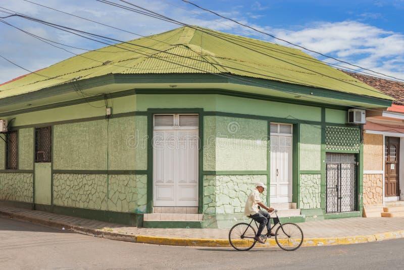 Fachada de casas coloridas no distrito histórico Granada no Ni fotos de stock