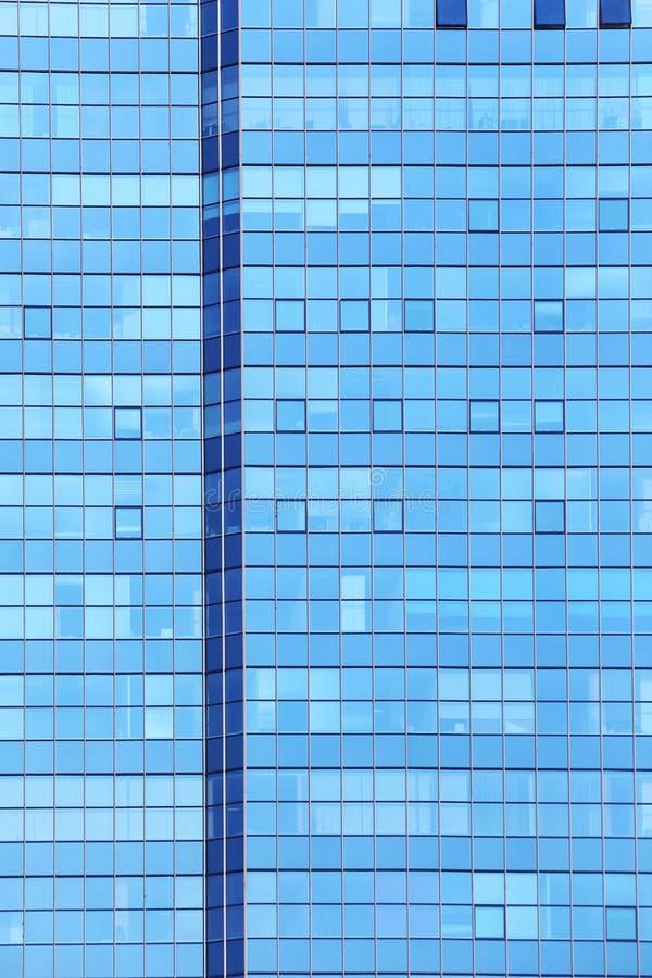 Fachada de cristal del edificio de oficinas imagenes de archivo