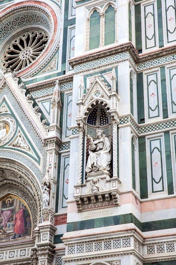 A fachada de Florence Cathedral bonita consagrou em 1436 imagem de stock