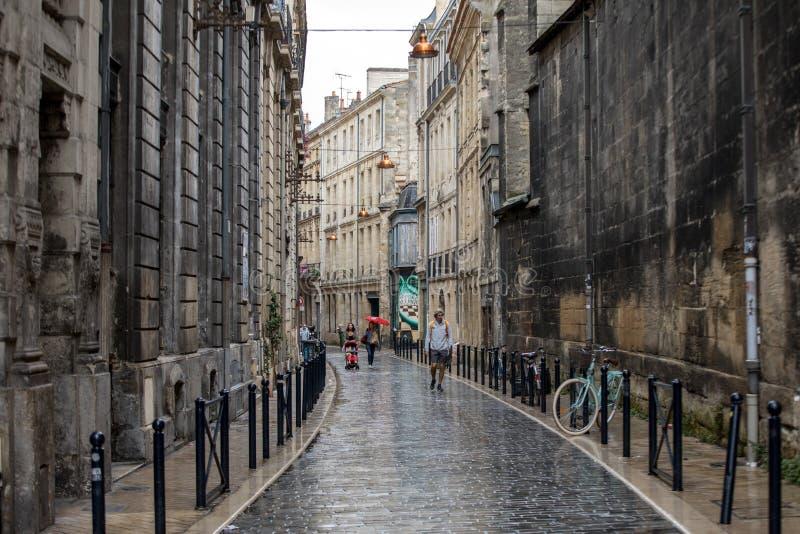 Fachada de l construções em uma rua no centro da cidade do Bordéus, França fotografia de stock