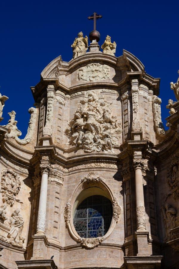 Fachada de la basílica metropolitana de la catedral de la suposición de nuestra señora de Valencia fotografía de archivo