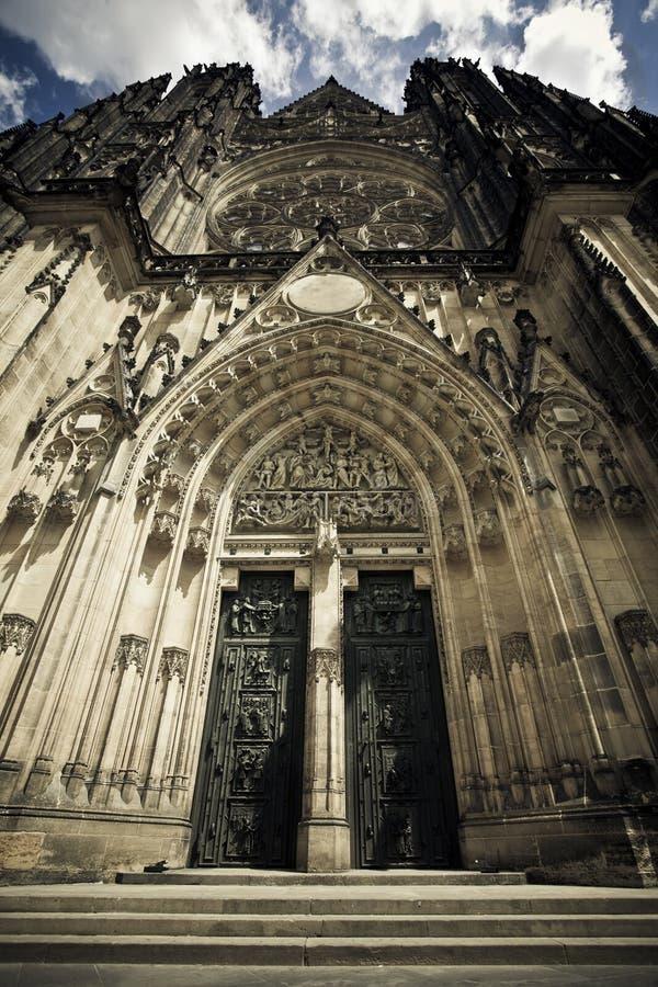Fachada de la catedral del St. Vitus fotografía de archivo