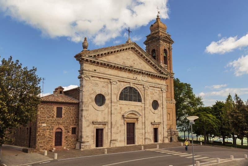 Fachada de la iglesia de Madonna del Soccorso en Montalcino, Toscana foto de archivo