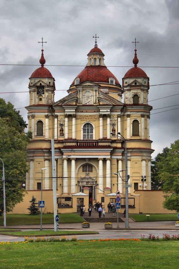Fachada de la iglesia de San Pedro y de San Pablo fotos de archivo