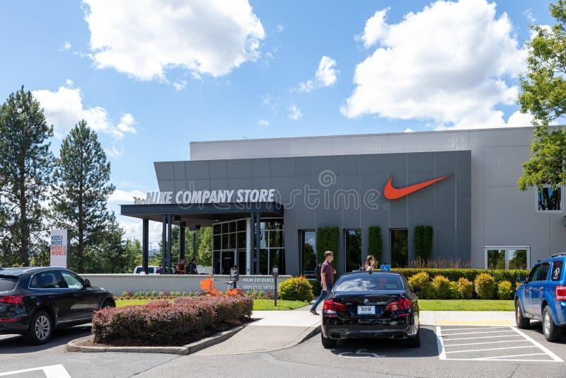 Fachada de la tienda de la empresa Nike en Beaverton, Oregón fotos de archivo libres de regalías