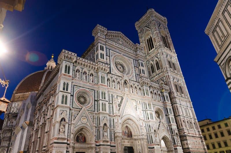 Fachada de mármore bonita de Florence Duomo, di Santa Maria del Fiore de Cattedrale imagens de stock royalty free
