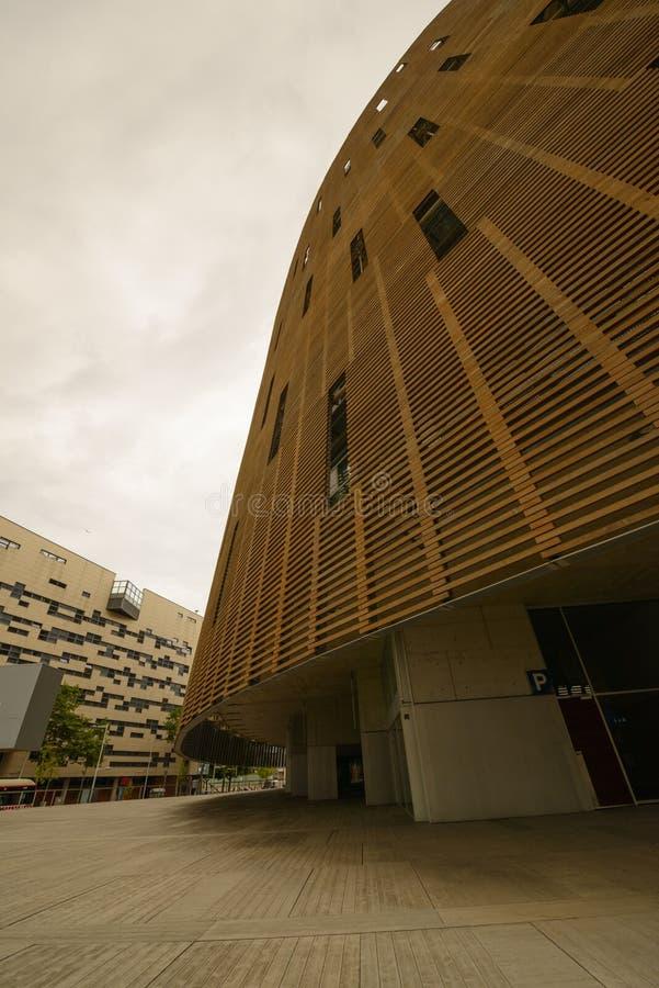 Fachada De Madera De Un Edificio Moderno Imagen de archivo - Imagen ...