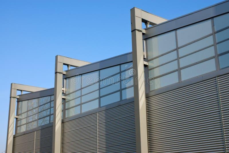 Fachada de um edifício da fábrica fotos de stock
