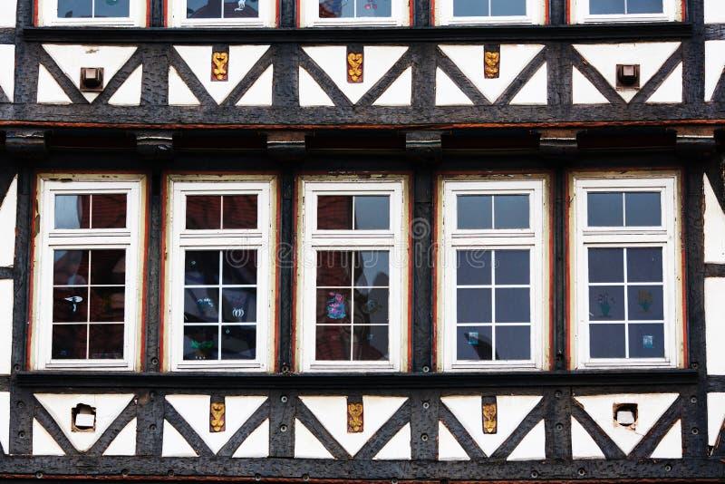 Fachada de uma estrutura da madeira imagem de stock royalty free