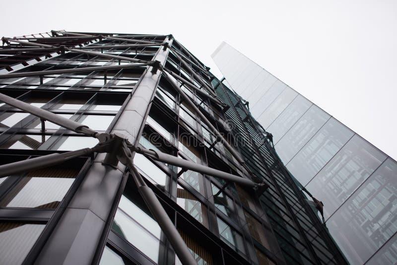 Fachada de un edificio comercial imagen de archivo libre de regalías