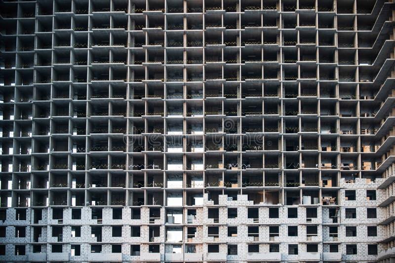 Fachada de un edificio residencial bajo construcción fotos de archivo libres de regalías