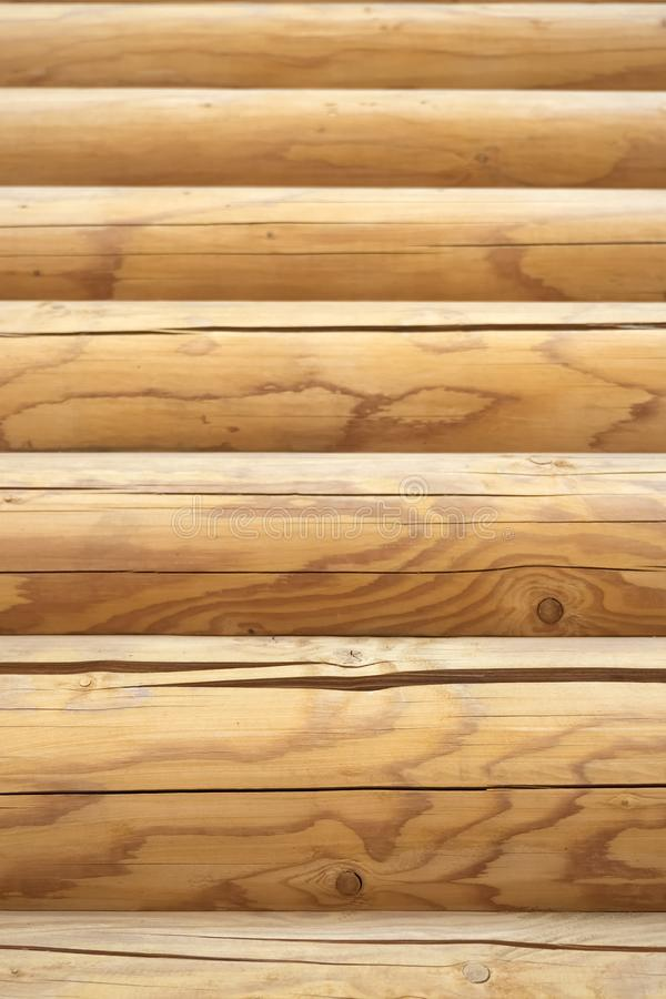 Fachada de un horizontal texturizada cabaña de madera Pared de madera del fondo de la textura del blocao imagen de archivo libre de regalías