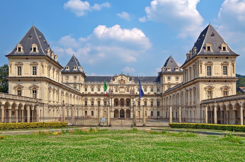 Fachada de Valentino Castle em Turin, Itália. fotografia de stock