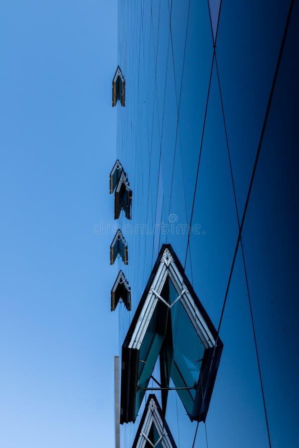 A fachada de vidro da biblioteca real/carvão, Copenhaga, Dinamarca foto de stock royalty free