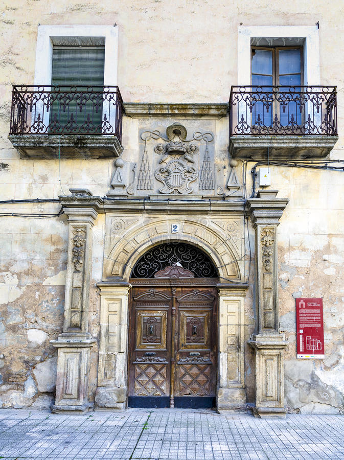 Fachada del convento del La Merced en Trujillo, Caceres, España imágenes de archivo libres de regalías