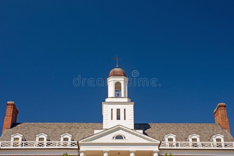 Fachada del edificio de la universidad imagen de archivo libre de regalías