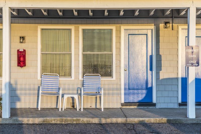 Fachada del motel americano típico en la playa foto de archivo libre de regalías