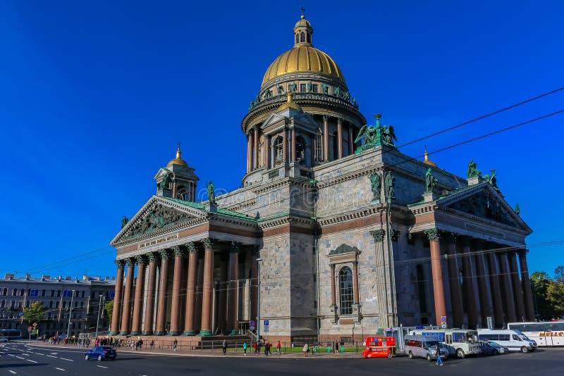 Fachada del santo Isaac' catedral de s en St Petersburg, Rusia foto de archivo libre de regalías
