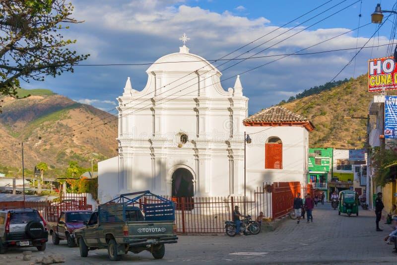 Fachada do churc católico em Sacapulas, Guatemala imagens de stock royalty free