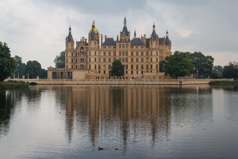 Fachada do palácio de Schwerin imagem de stock royalty free