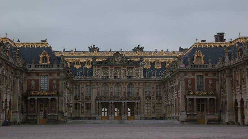 Fachada do palácio de Versalhes, em França fotos de stock royalty free