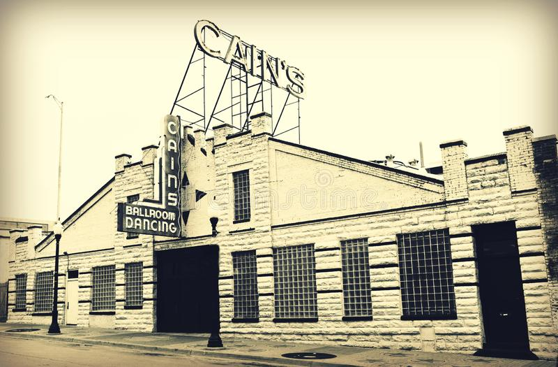A fachada do sal?o de baile de Cain hist?rico assina dentro Tulsa, Oklahoma Cains imagens de stock