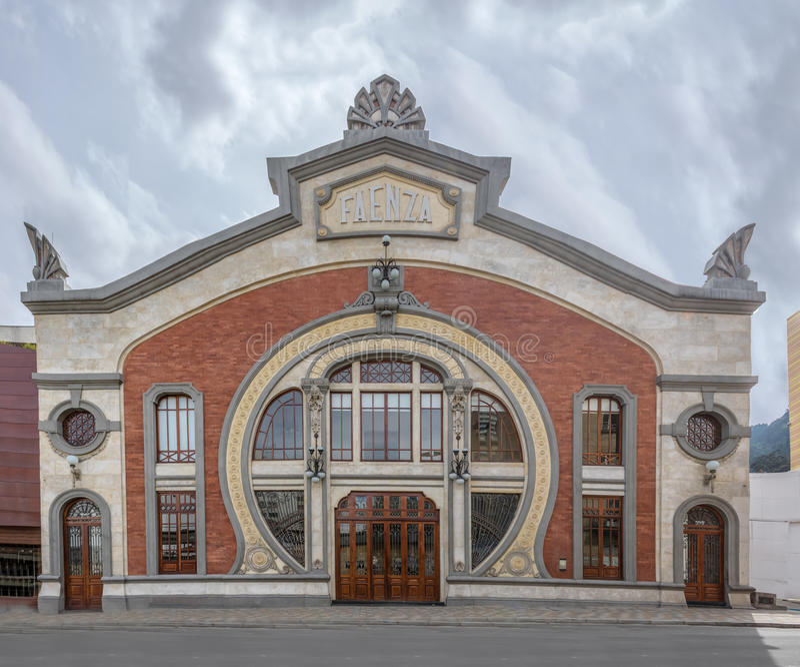 Fachada do teatro de Faenza - Bogotá, Colômbia fotografia de stock royalty free