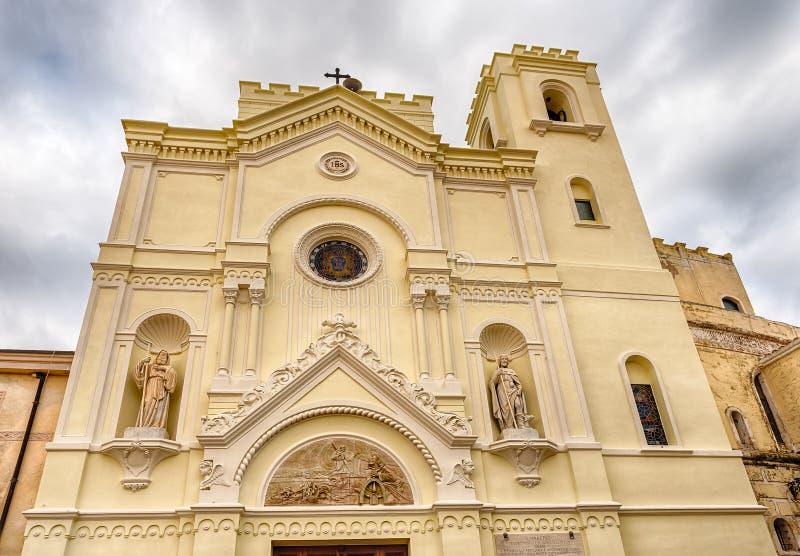 Fachada escénica de St Francesco Church en Pizzo Calabro, Italia imagen de archivo libre de regalías