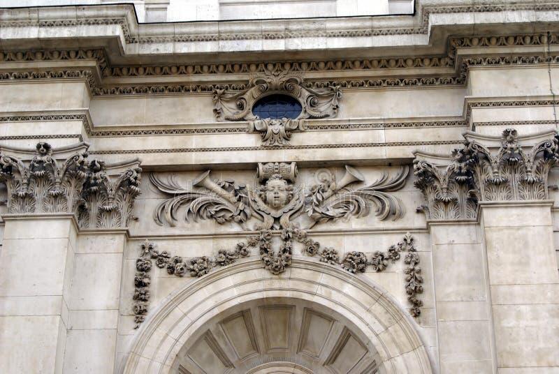Fachada esculpida adornada foto de archivo libre de regalías