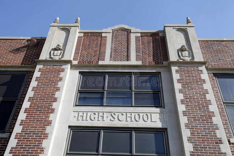 Fachada genérica de la High School secundaria fotos de archivo libres de regalías