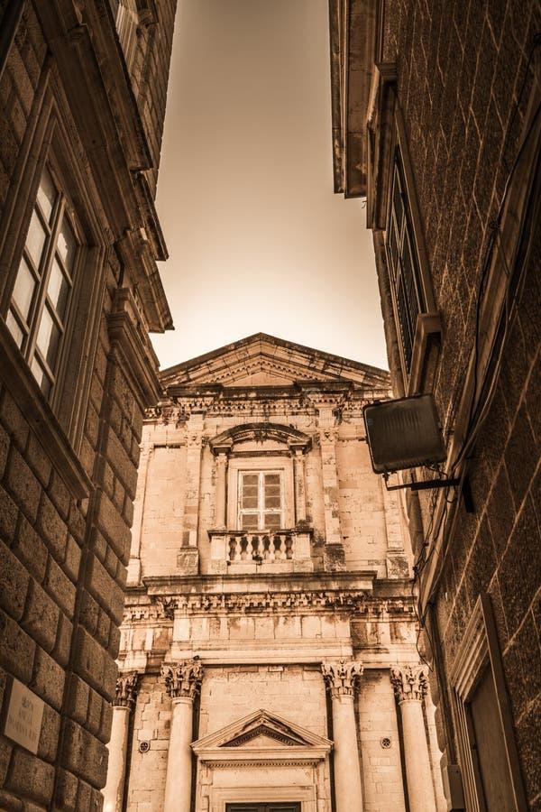 Fachada histórica del edificio en Dubrovnik fotos de archivo libres de regalías