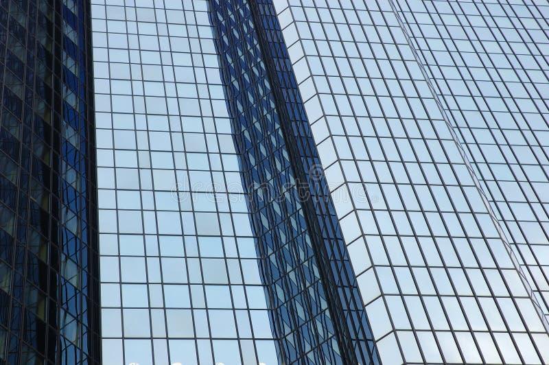 Fachada moderna del edificio de oficinas fotografía de archivo