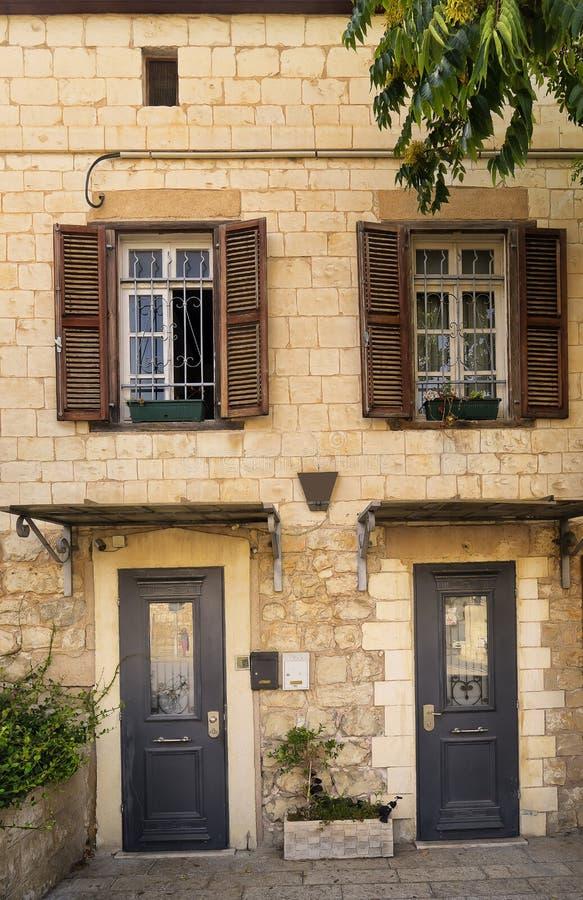 Fachada na arquitetura do centro Israel de Haifa imagens de stock