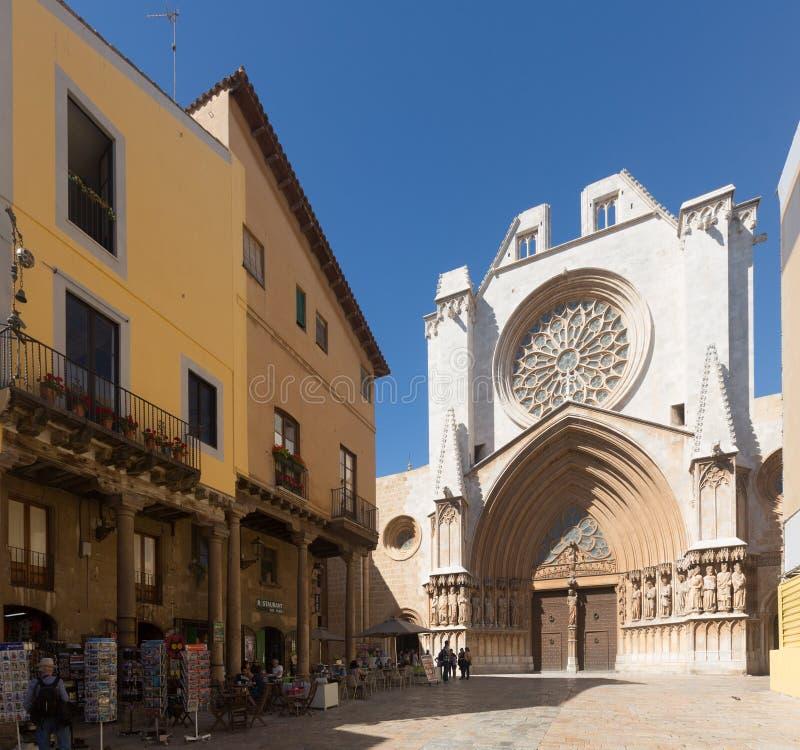 Fachada principal de la catedral de Tarragona imagen de archivo