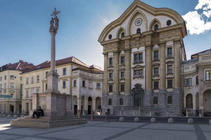 Fachada principal de Ursuline Church da trindade santamente, Ljubljana, Eslovênia foto de stock royalty free