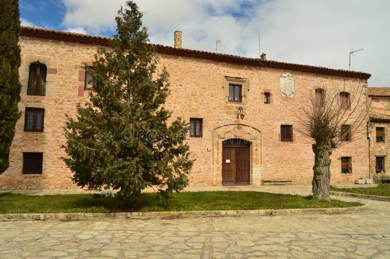 Fachada principal del convento de Santa Isabel en Medinaceli imagen de archivo libre de regalías