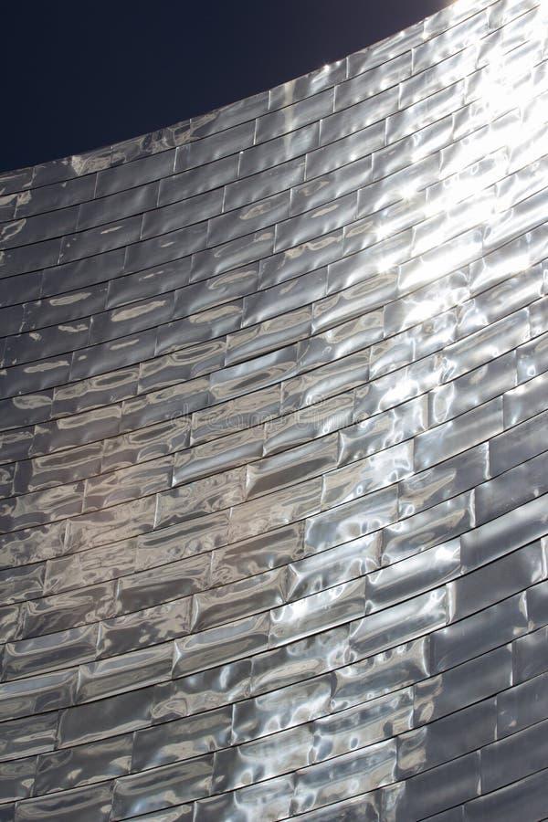 Fachada reflexiva del edificio imagen de archivo libre de regalías